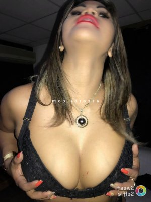 Anifa massage sexy escorte girl