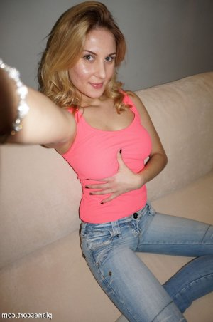 Christiane escorte trans massage